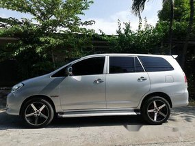 Silver Toyota Innova 2009 at 121000 km for sale