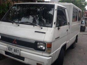 Selling White Mitsubishi L300 2002 at 150000 km