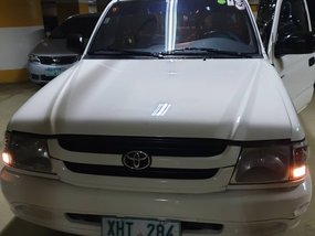 Selling 2003 Toyota Hilux in Makati