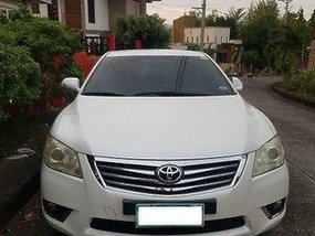Sell White 2010 Toyota Camry Automatic Gasoline at 120000 km
