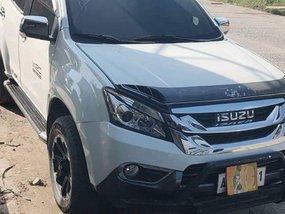 Isuzu Mu-X 2015 at 82000 km for sale