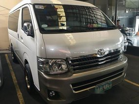 Selling Toyota Hiace 2011 at 57671 km