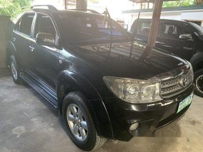 Sell Black 2010 Toyota Fortuner at 58000 km