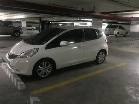 White Honda Jazz 2012 at 70000 km for sale