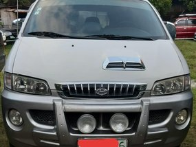 Selling Hyundai Starex 2001 Van in Malabon