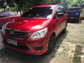 Selling Red Toyota Innova 2014 at 181000 km