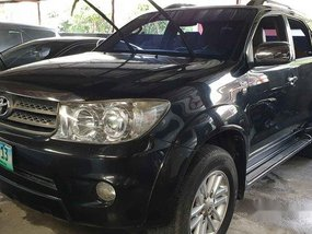 Selling Black Toyota Fortuner 2010 Automatic Diesel at 58000 km