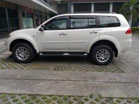 Selling White Mitsubishi Montero sport 2011 at 70000 km