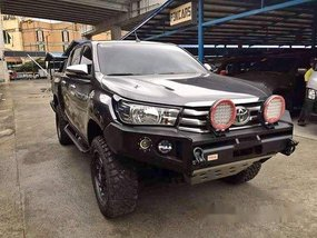 Selling Grey Toyota Hilux 2016 Manual Diesel