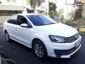 White Volkswagen Polo 2016 at 75000 km for sale