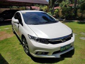 Selling White Honda Civic 2013 Automatic Gasoline at 68000 km