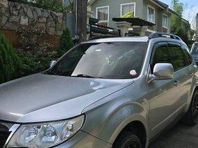 Silver Subaru Forester 2008 at 84000 km for sale