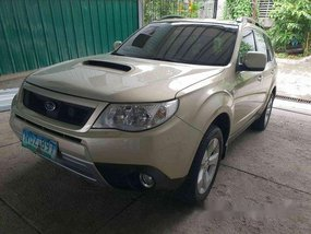 Selling Silver Subaru Forester 2010 at 60000 km