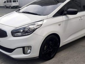 2015 Kia Carens CRDI Automatic in Quezon City