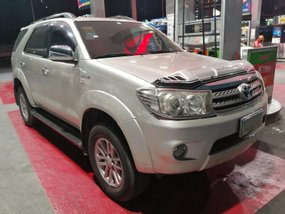 Toyota Fortuner 2010 G 7 to 9 seater