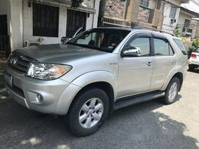 Selling Toyota Fortuner 2010 Automatic Gasoline at 70000 km