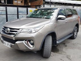 Selling Grey Toyota Fortuner 2017 Automatic Diesel at 27000 km
