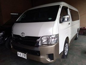 Sell White 2015 Toyota Hiace at 45386 km
