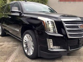 Selling Cadillac Escalade 2020 at 1000 km