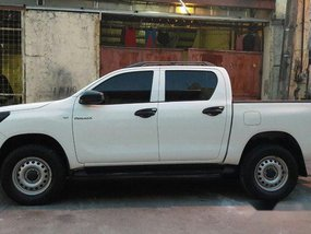 Sell White 2016 Toyota Hilux at 78000 km