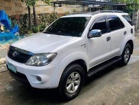 Toyota Fortuner G 4X2 Automatic Gas 2006