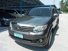 2012 Toyota Fortuner 4X2 G AT Gas