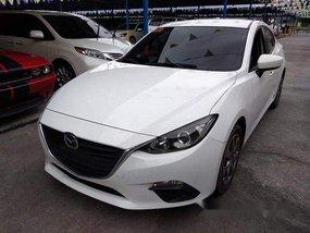 White Mazda 3 2016 at 44000 km for sale