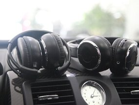 An ultimate guide on choosing the best car headphones