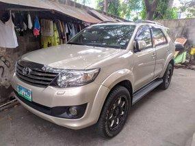 2012 Toyota Fortuner G Diesel M/T (1st own, CASA maintain)