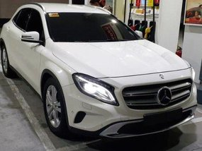 Sell White 2017 Mercedes-Benz 180 at 15000 km
