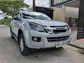 Silver Isuzu D-Max 2015 at 35000 km for sale