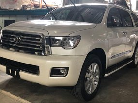 2019 Toyota Sequoia Platinum (Captain Seats)