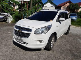 White Chevrolet Spin 2015 for sale in Rizall