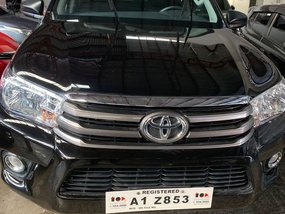 Black Toyota Hilux 2018 for sale in Quezon City