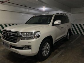 Sell 2016 Toyota Land Cruiser in Quezon City