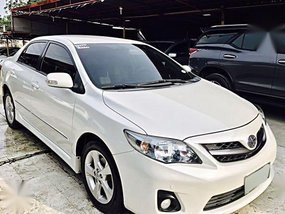 Pearl White Toyota Corolla Altis 2012 for sale in Mandaue