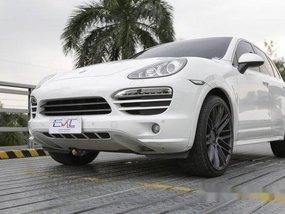 White Porsche Cayenne 2013 for sale in Quezon City