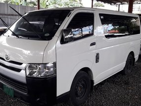 Selling 2nd Hand Toyota Hiace in Quezon City