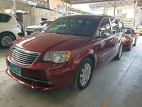 Selling Purple Chrysler Town And Country 2014 in Pasig