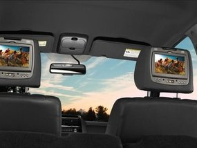 The best ways to watch TV in your car that you need to know