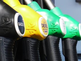 Wonder yourself: Is it OK to mix two different fuel brands?