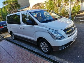 White Hyundai Grand starex 2014 for sale in Quezon City