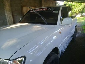 Selling White Toyota Land Cruiser 2001 in Angeles