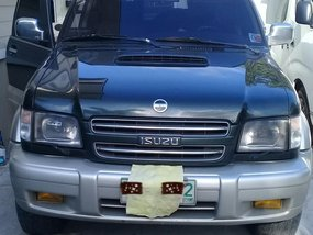 Blue Isuzu Trooper 2001 for sale in Automatic
