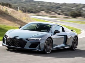 Silver Audi R8 2011 for sale in Caloocan