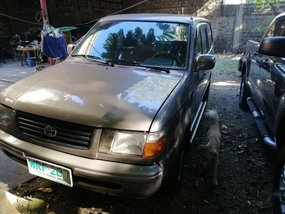 Sell Grey 2000 Toyota Revo in Antipolo