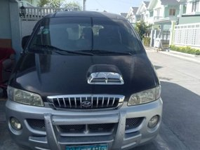 Selling Black Hyundai Accent 2004 in Mabalacat