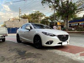 Selling White Mazda 3 2015 in Quezon City
