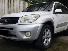 Sell White 2004 Toyota Rav4 in Manila