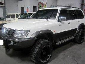 Sell White 2004 Nissan Patrol in Manila